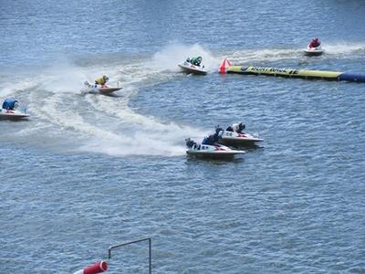 津競艇場のレース
